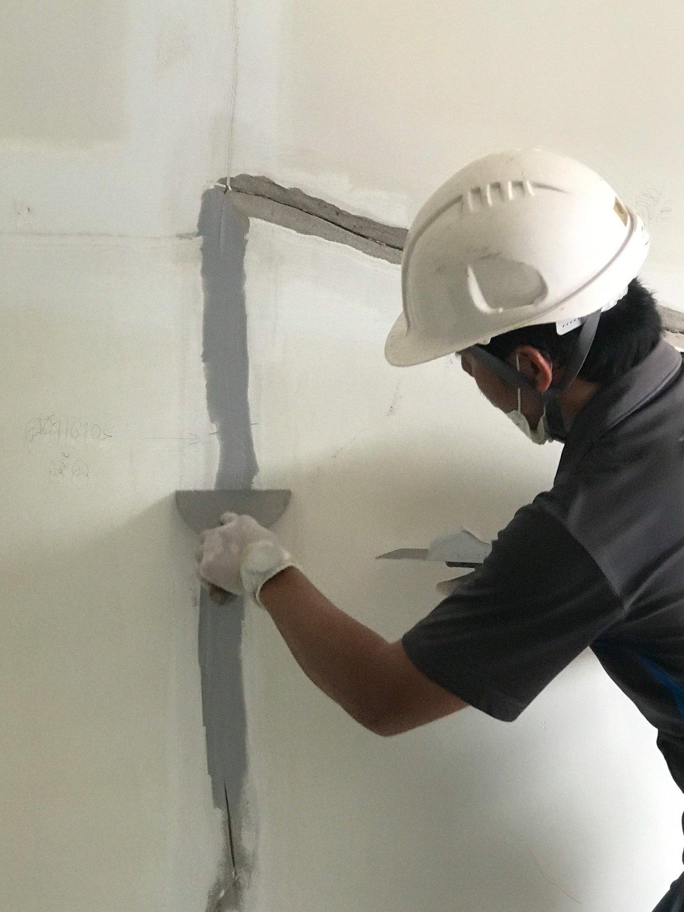 Trám keo RF134 để ngăn ngừa và xử lý nứt