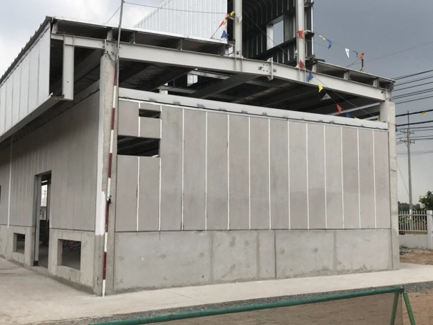 Tường bao nhà máy bằng bê tông khí ALC, trám keo MS sealant